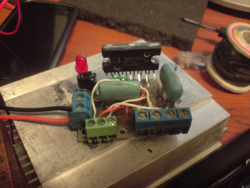 привет ..всем .!! можете помогти .уменя проблема ..усилок .не работает на микро схеме TDA8560q набрал на схеме...